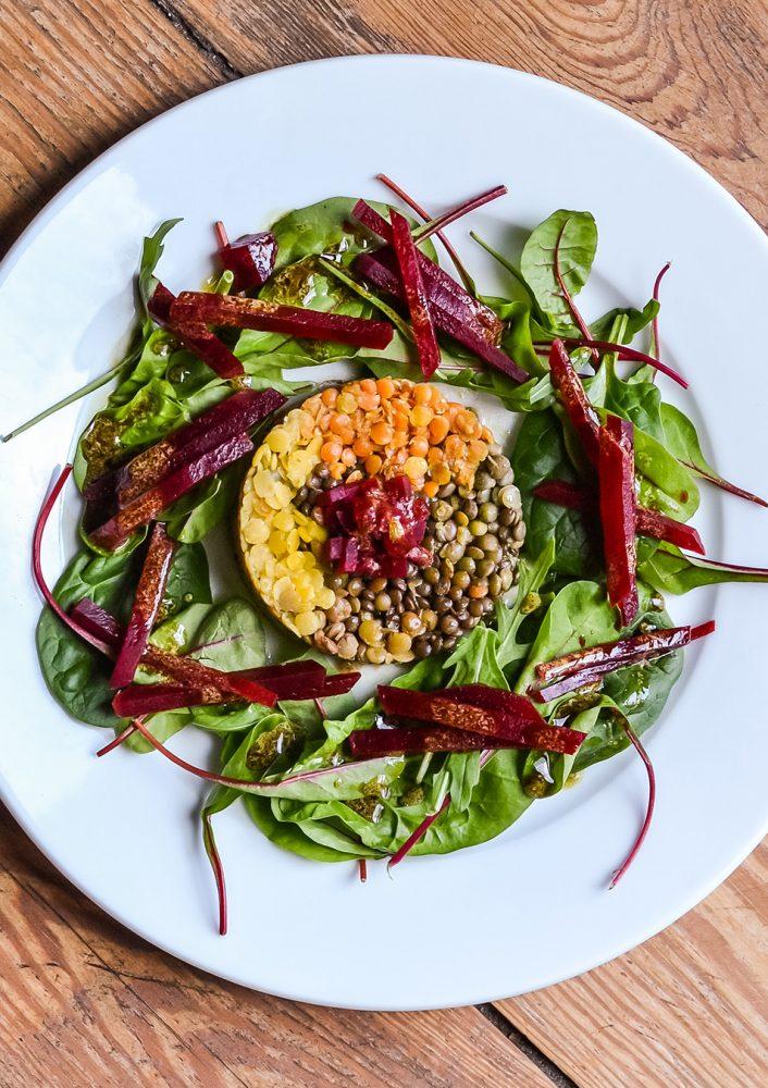 Bunter Linsensalat mit Kürbiskern-Senfsauce - eine tolle, frische Vorspeise, Linsen mit fantastisch nussigem Dressing, gesund, kalorienarm, lecker
