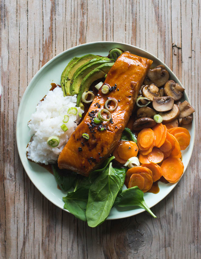 Teriyaki Lachs Bowl