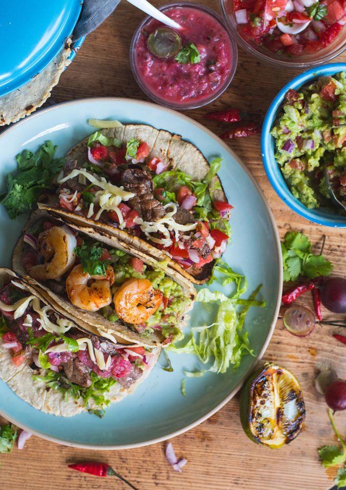 Tacos mit Beef und Garnelen & 3 Salsas