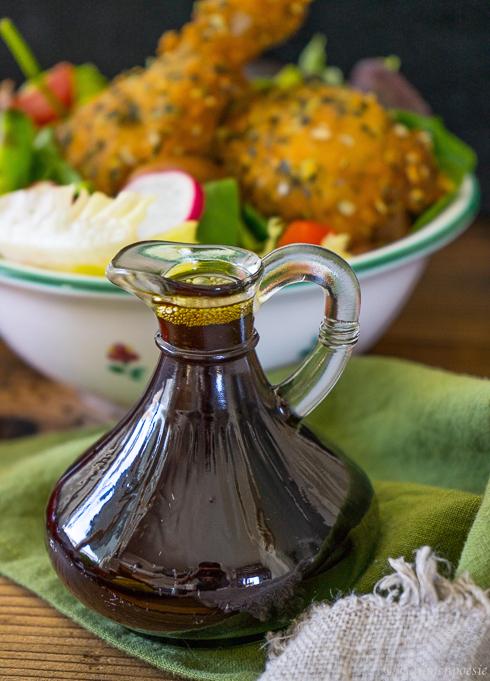 Steirisches Backhendl mit Kürbiskernen und gemischten Salat