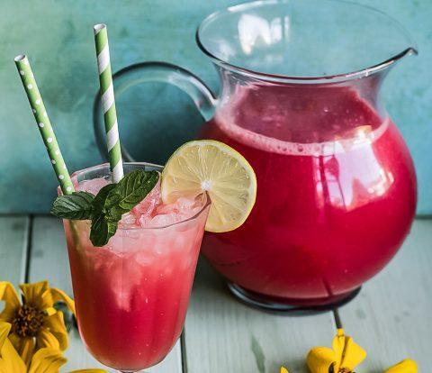 Beeren-Limo - Rezept für selbstgemachte Limonade.
