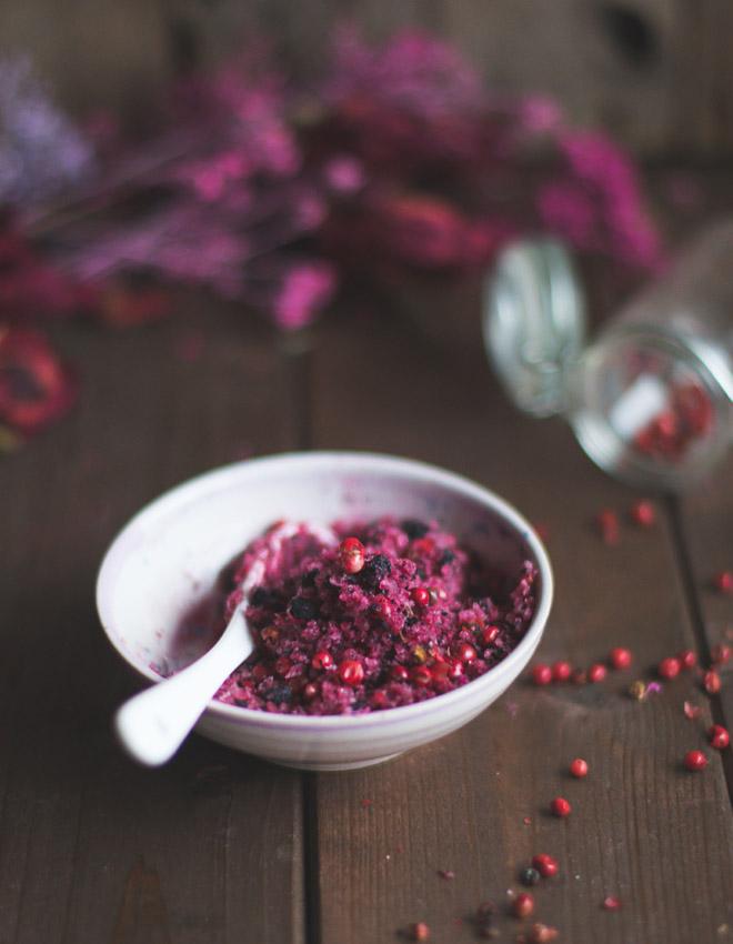 Salz mit Pfefferbeeren und Rote Bete, kulinarisches Last Minute Geschenk