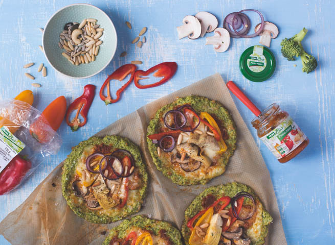 Mini-Veggie-Pizza mit Brokkoli-Boden