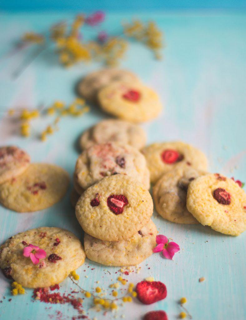 Cookies mit Orange und getrockneten Erdbeeren - Frühlingskekse