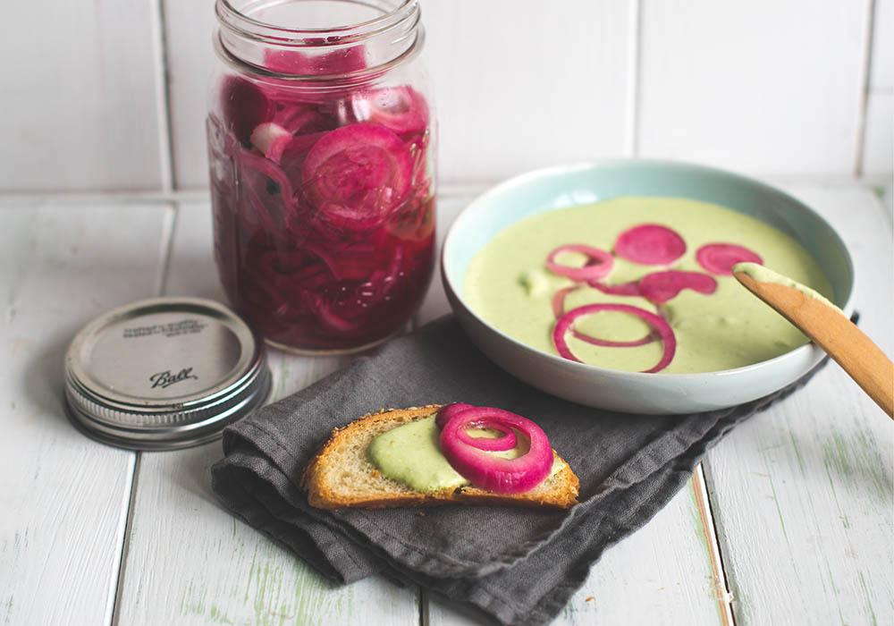Eigelegte Rote Zwiebeln - Pickled Red Onions