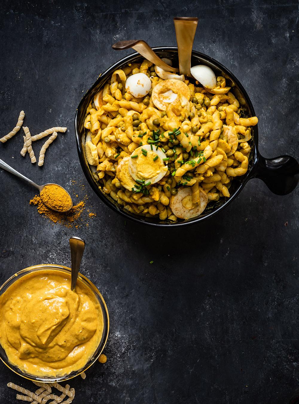 Mein ultimativer Nudelsalat mit Ei und Currysauce