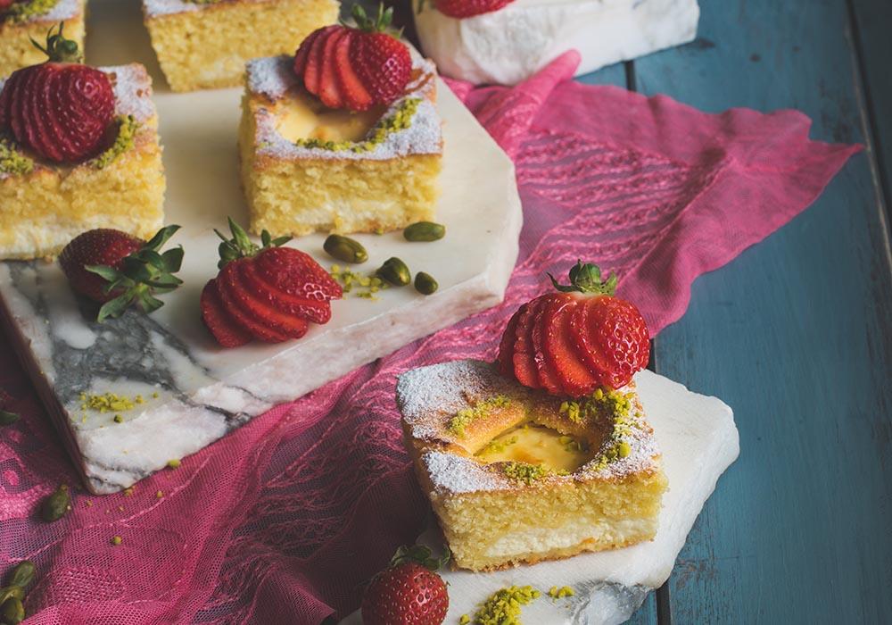 Torta Nua - Traumhafter italienischer Kuchen mit Ricottacreme, Erdbeeren und Pistazien