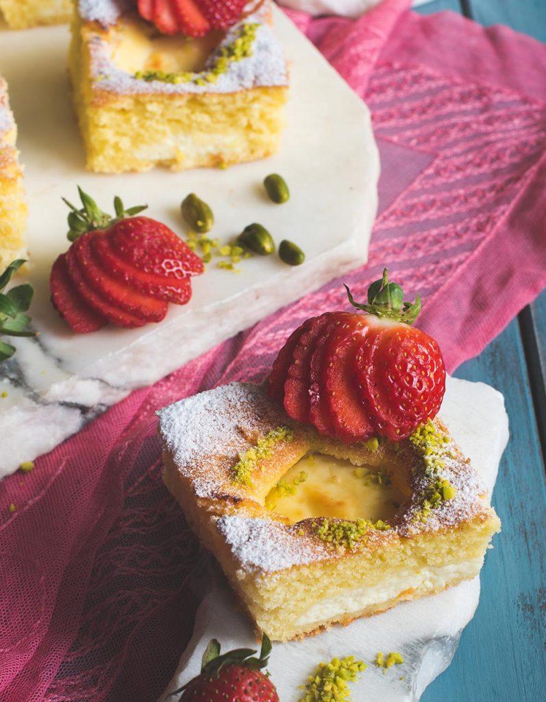 torta nua traumhafter italienischer kuchen mit ricottacreme erdbeeren und pistazien s k che. Black Bedroom Furniture Sets. Home Design Ideas