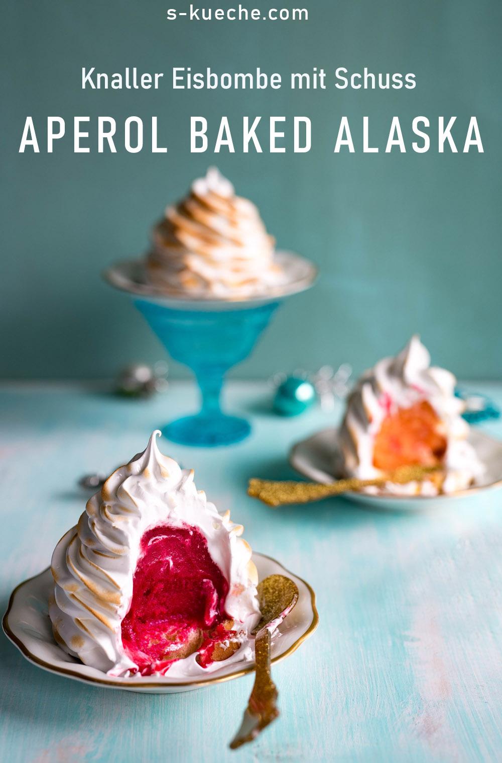 Aperol Baked Alaska -  Knaller Eisbombe mit Schuss für ganz besondere Feste. Eisbombe mit  Baiserhaube, festliches Sorbet mit geflämmtem Baiser #bakedalaska #eisbombe #sorbet #dessert #weihnachten