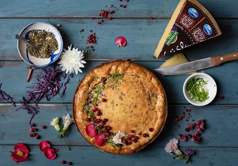 Pikanter Cheesecake mit Bergkäse und Brezelkruste Tirol Milch
