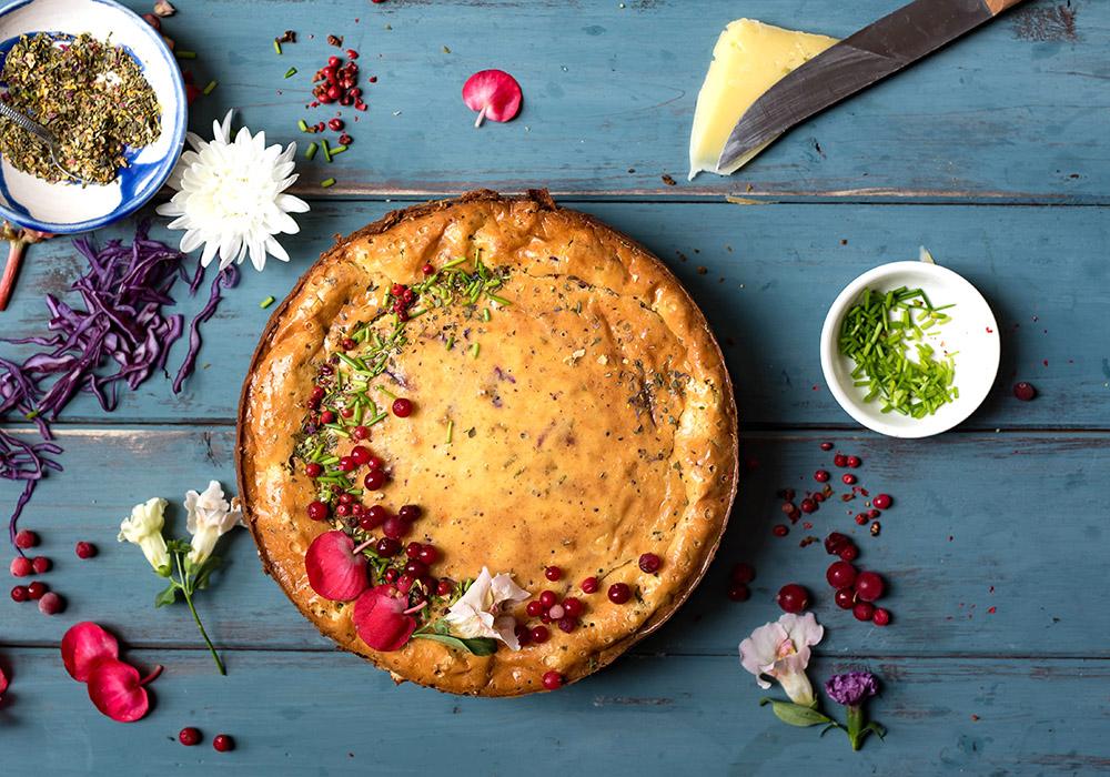 Pikanter Cheesecake mit Bergkäse und Brezelkruste - Simone's Bergkäse aus Tirol