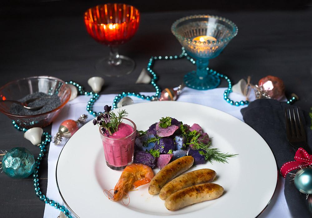 Garnelen-Kabeljau-Würstchen - Bunter Kartoffelsalat mit Mohndressing