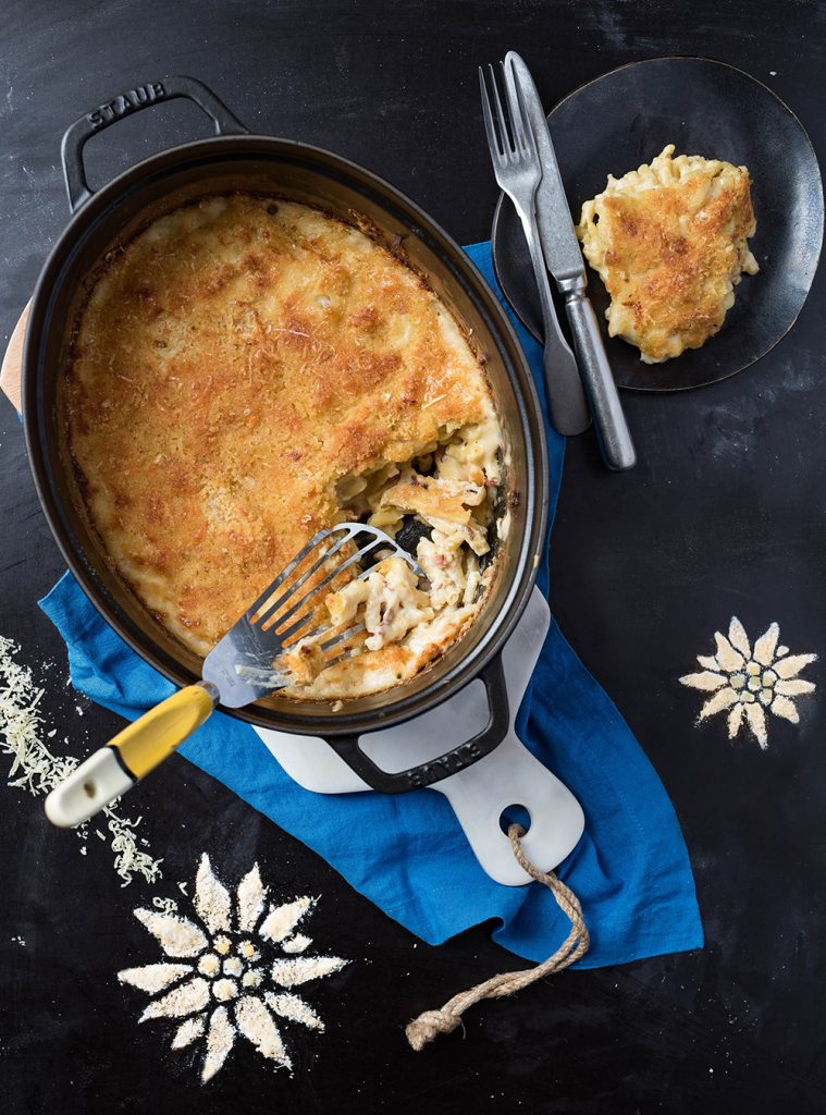 Mac and Cheese One Pot Pasta Bake mit Bergkäse aus Tirol