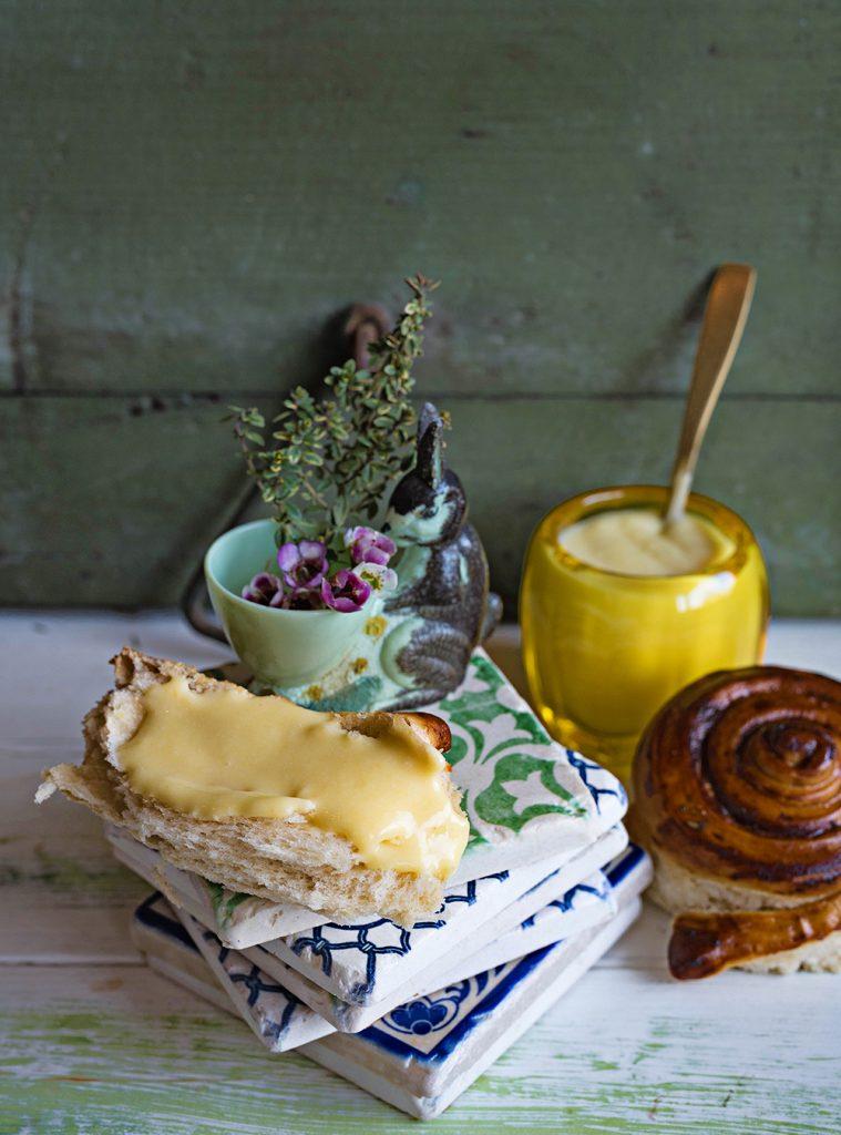 Lemon Curd und Pull Apart Bread zu Ostern
