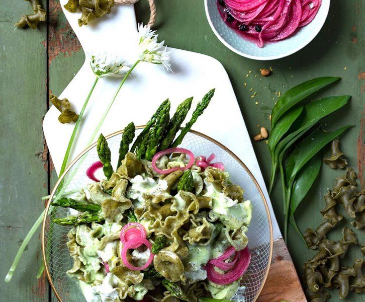 Pesto Pasta Salat mit Bärlauch