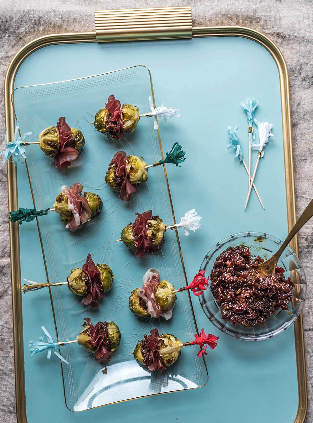Rosenkohl Lollis mit Bacon Jam - Fingerfood Für ein Knaller-Silvester-Buffet