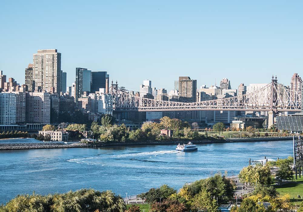 East River Roosevelt Island