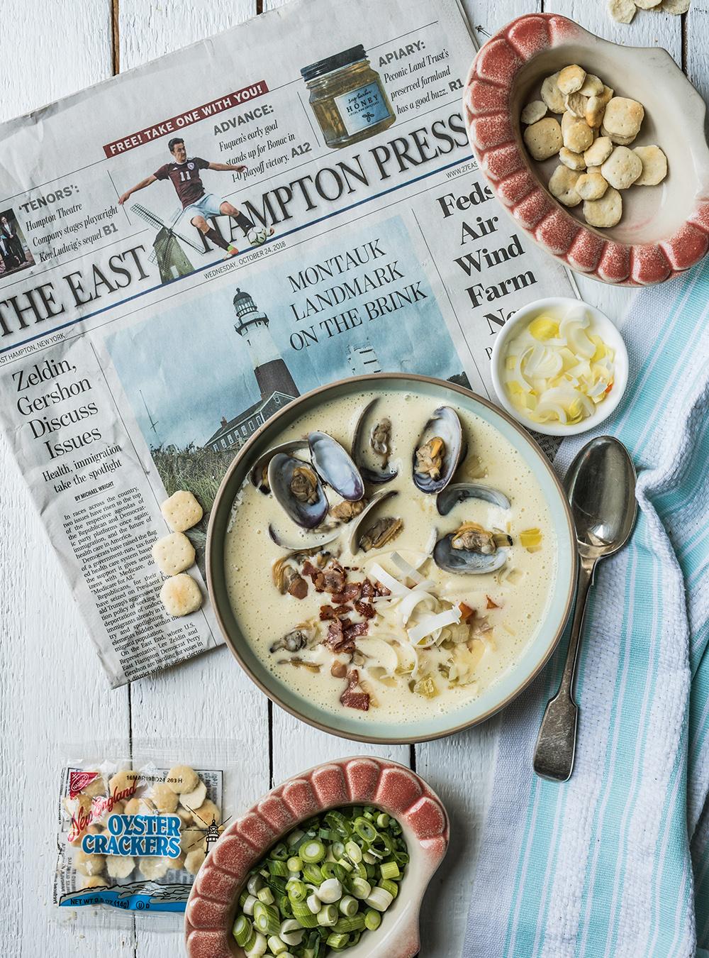 New England Clam Chowder - Fantastische Muschel Kartoffelsuppe mit Lauch und Bacon - Rezept für den sämigen Muschel Suppen Klassiker aus dem Usten der USA