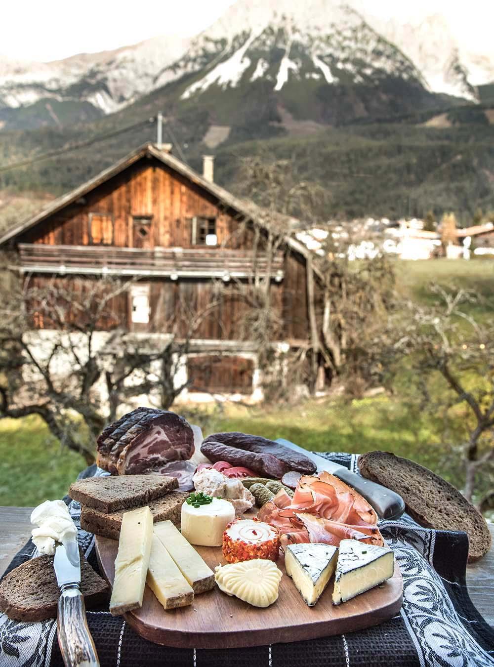 Original Tiroler Marend, oder wie eine gute Brettljause geht #sennermeetsblogger - s-Küche
