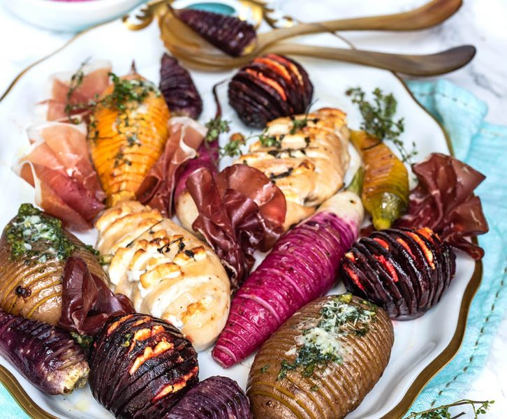 Hasselback Blechgericht mit buntem Gemüse und Hühnchen