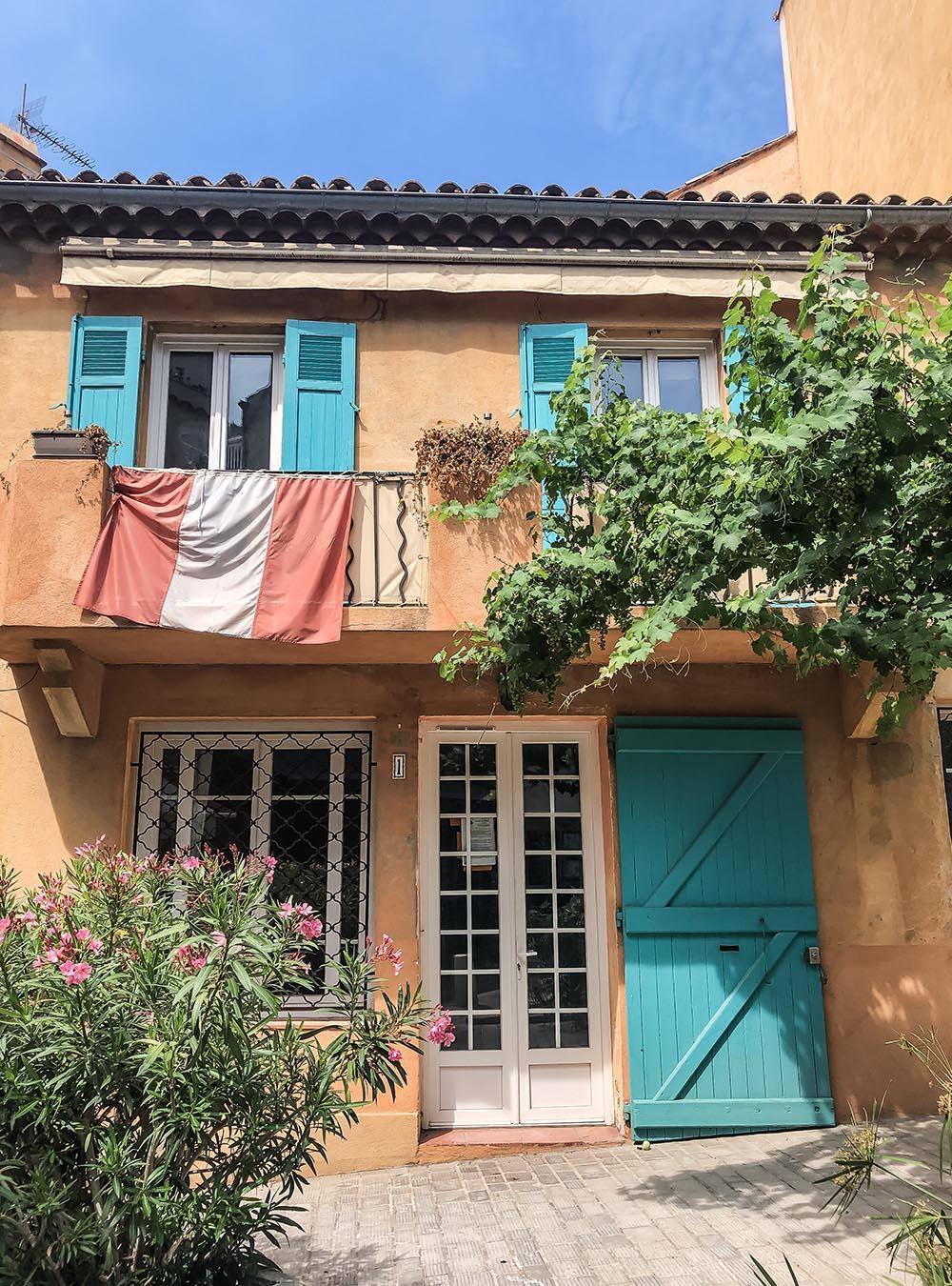 Sommer an der Côte d'Azur - Altstadt Saint-Tropez