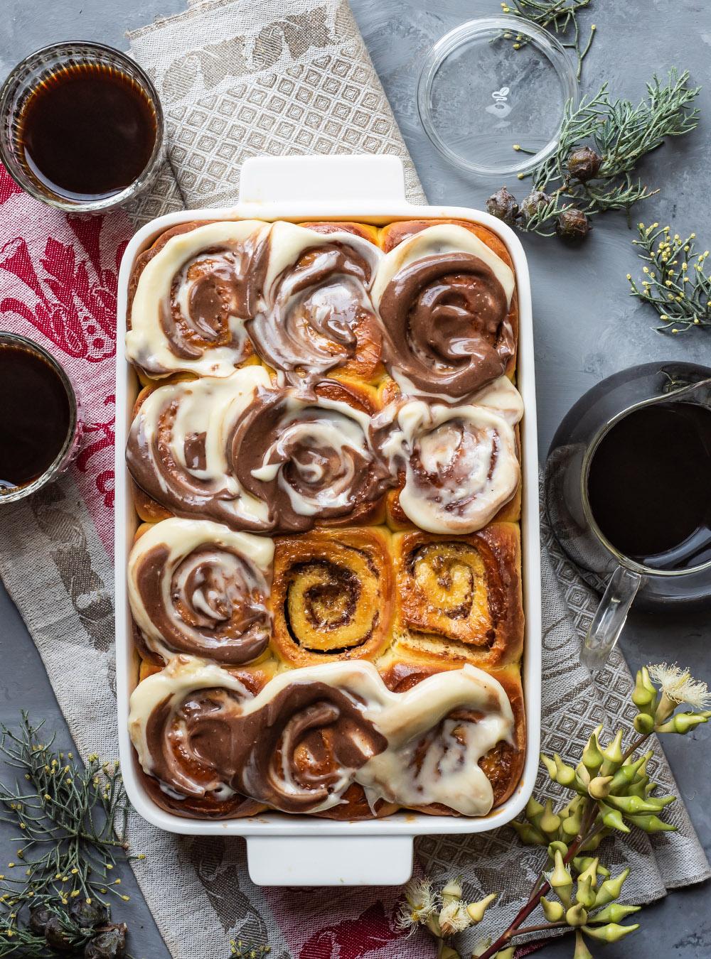 Safran Zimtschnecken mit Kaffeeguss - Overnight Cinnamon Rolls