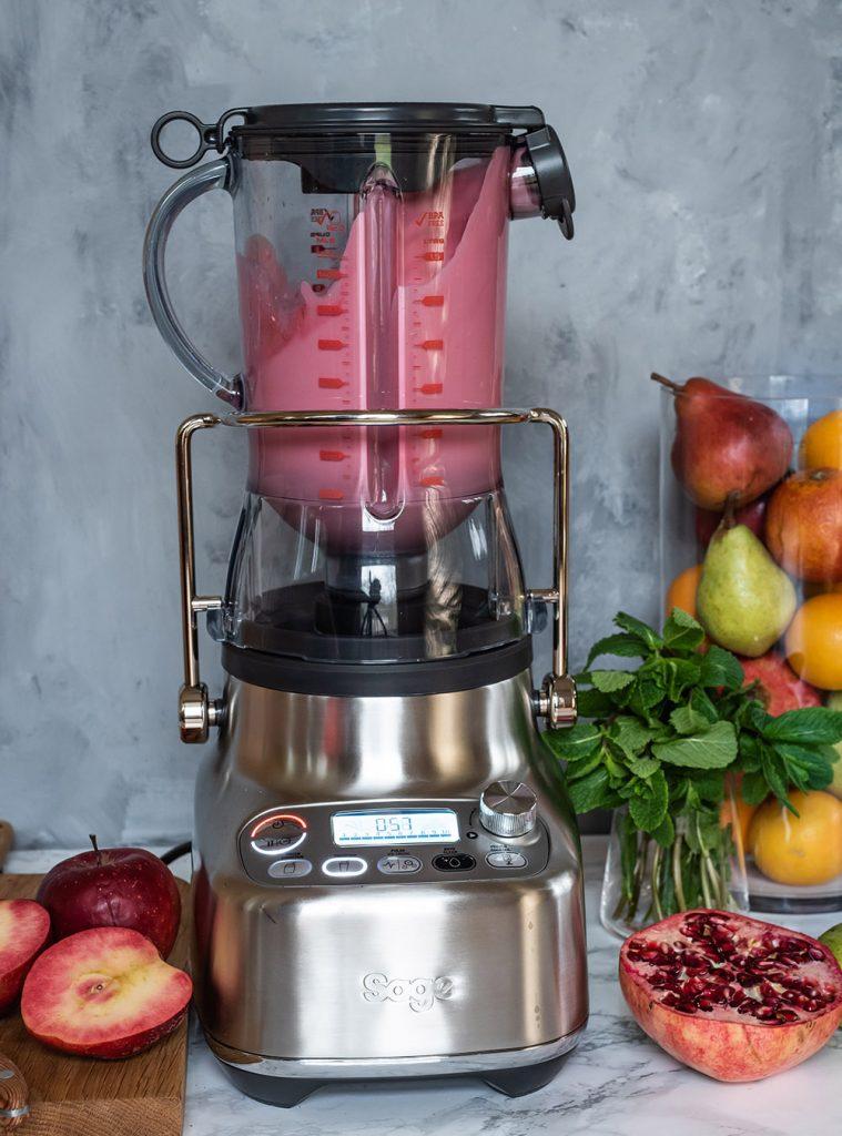 Winter Frucht Cocktail mit und ohne Rum - mit frisch gepresstem Saft aus dem Sage Appliances Bluice