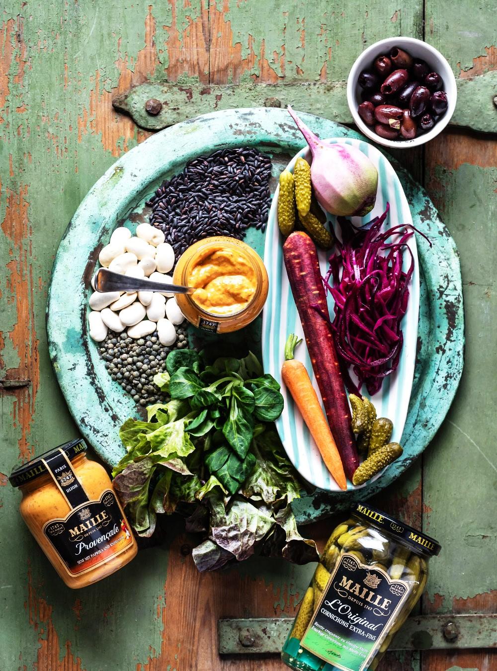 Französische Veggie Bowl mit provençalischer Vinaigrette