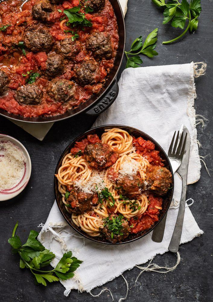 30 Minuten Spaghetti & Meatballs - Fleischbällchen in Tomate aus der New York Times -7 Tage - 7 geniale Rezepte für Spaghetti mit Tomatensauce