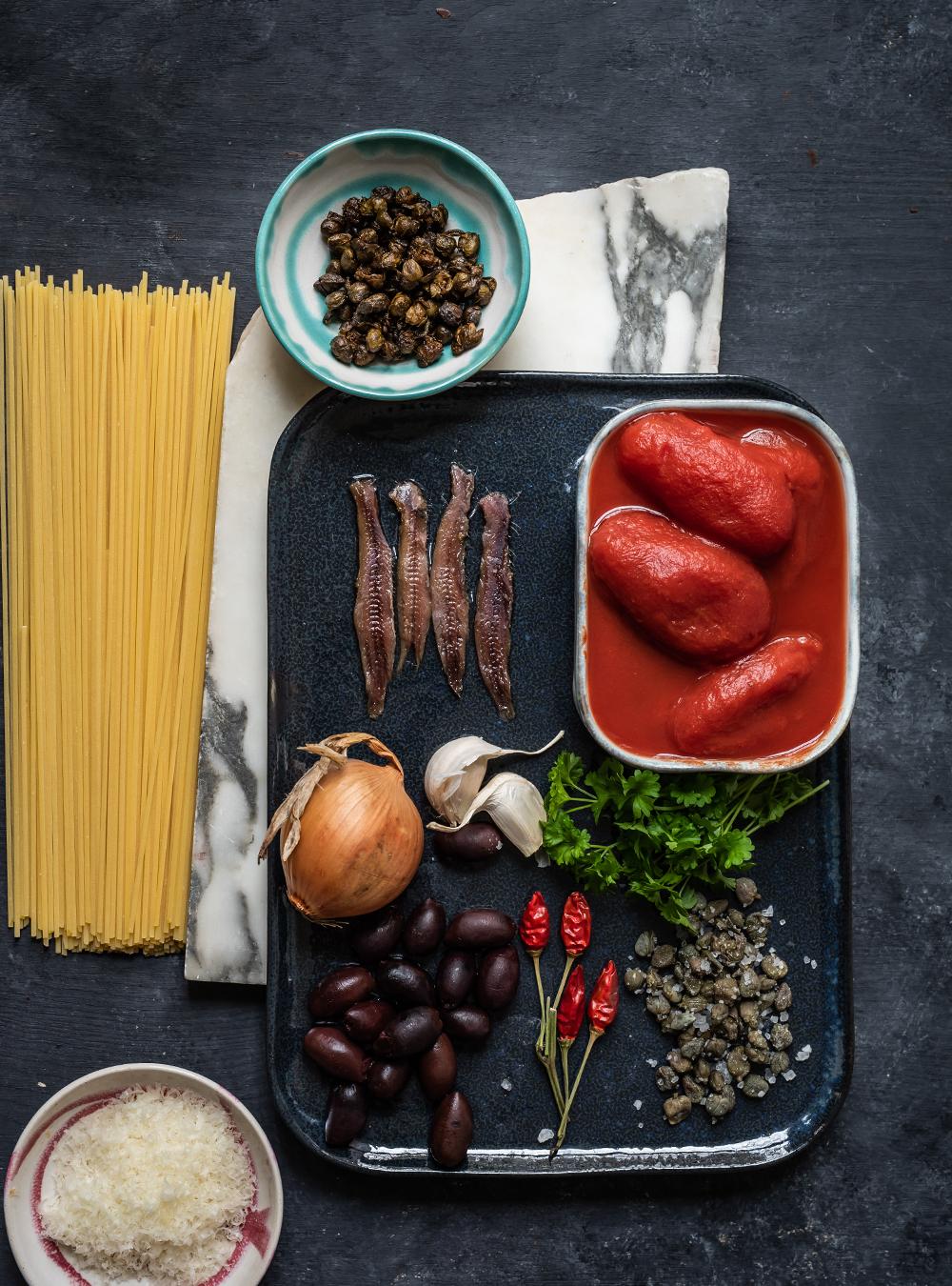 TSpaghetti alla Puttanesca - 7 Tage - 7 geniale Rezepte für Spaghetti mit Tomatensauce, die Zutaten