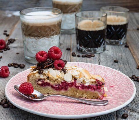 Ruck Zuck Himbeerkuchen mit leckerem Mandelteig und Kaffee-Knusper