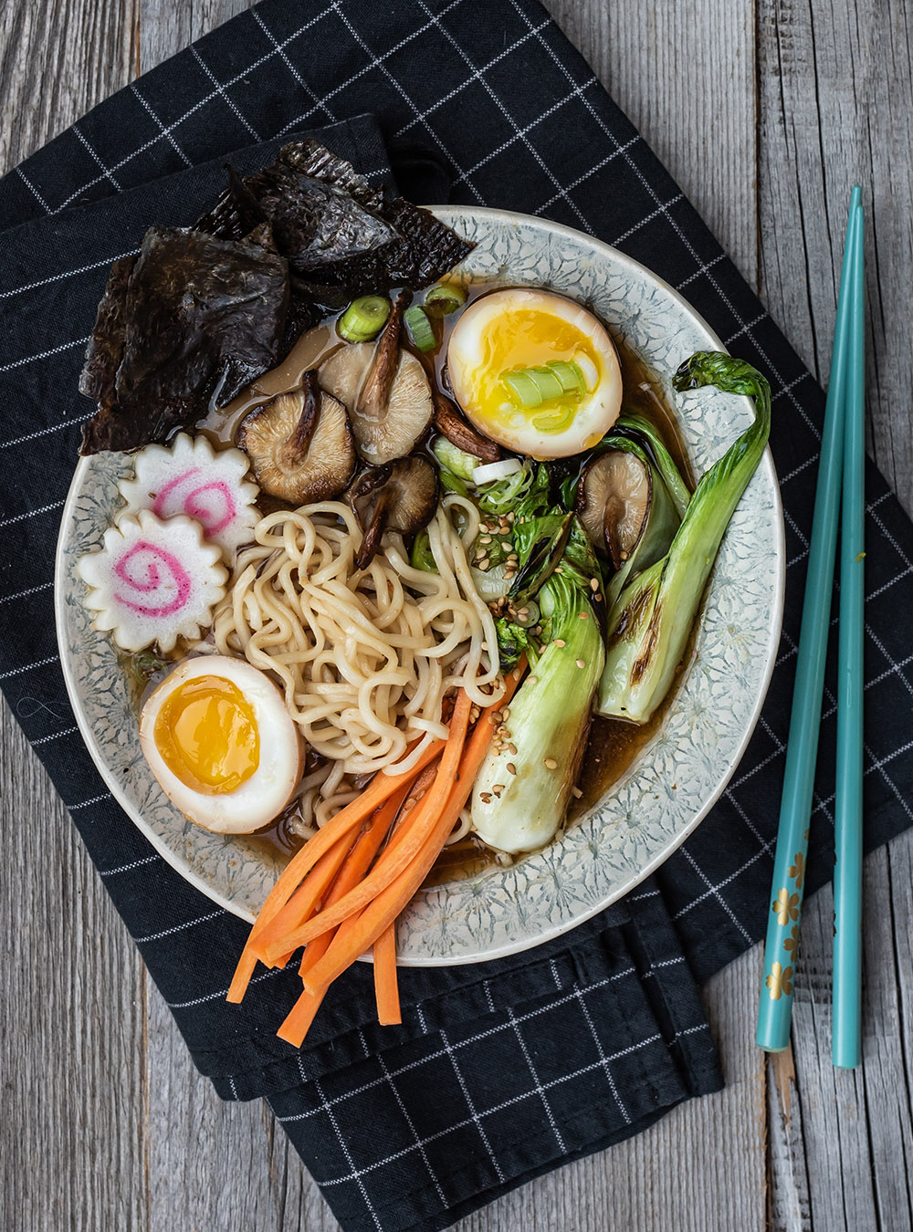 Instant Ramen Suppe Homemade mit viel Umami - 15 und 30 Min. Version