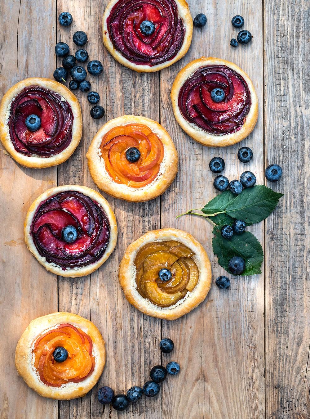Steinfrucht Törtchen mit Blätterteig