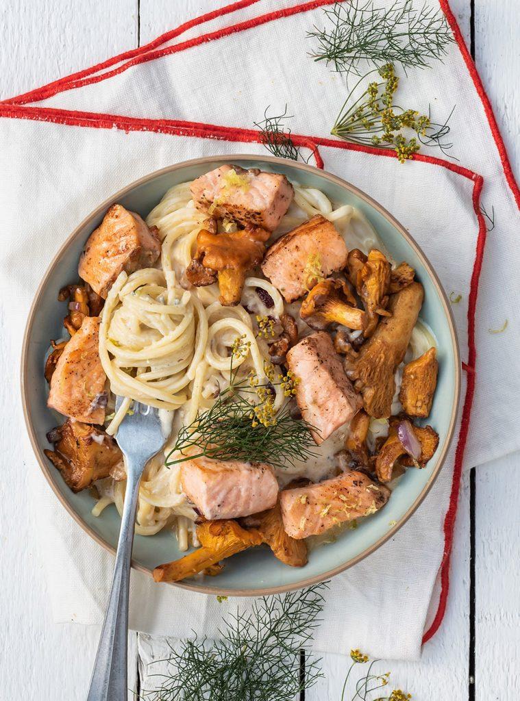 Pasta mit Pfifferlingen und Lachs