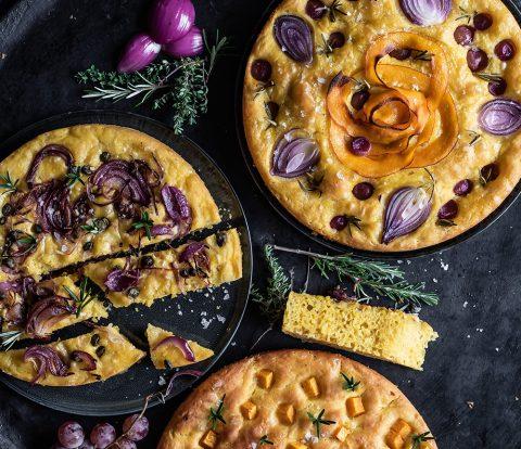 Kürbis Focaccia mit Zwiebeln, Kapern, oder Trauben
