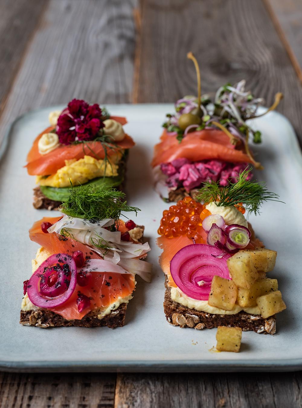 Smørrebrød mit Wildlachs,Smörrebröd, der dänisches Sandwich Klassiker