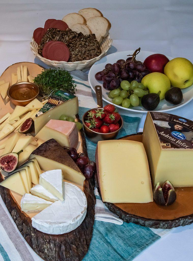 Die Käseplatte und die ultimativen Tipps vom Käse Sommelier. Die perfekten Käse Begleiter