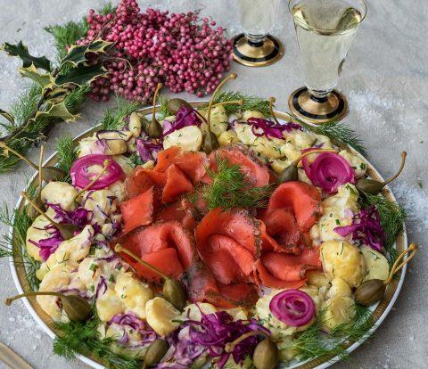 Schwedischer Safran Kartoffelsalat und Graved Wildlachs
