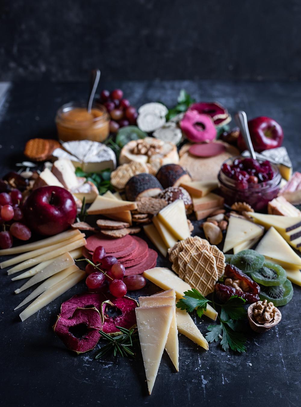 Festliche Käseplatte und die ultimativen Tipps vom Käse Sommelier. Die perfekten Käse Begleiter
