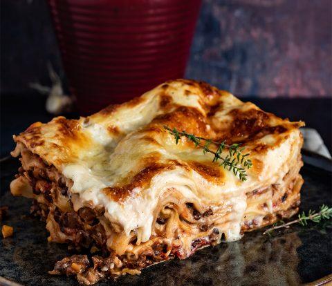 Vegetarische Lasagne mit Linsenbolognese