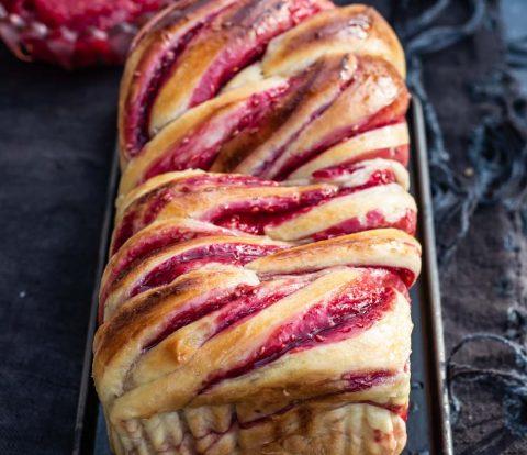 Fruchtiger Babka - Gefüllter Hefezopf und Napfkuchen auf jüdische Art