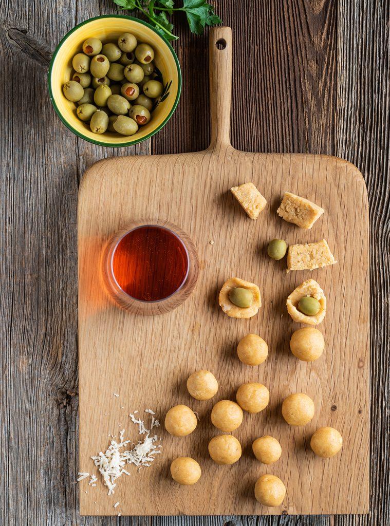 Knusprig gebackene Oliven Tapas