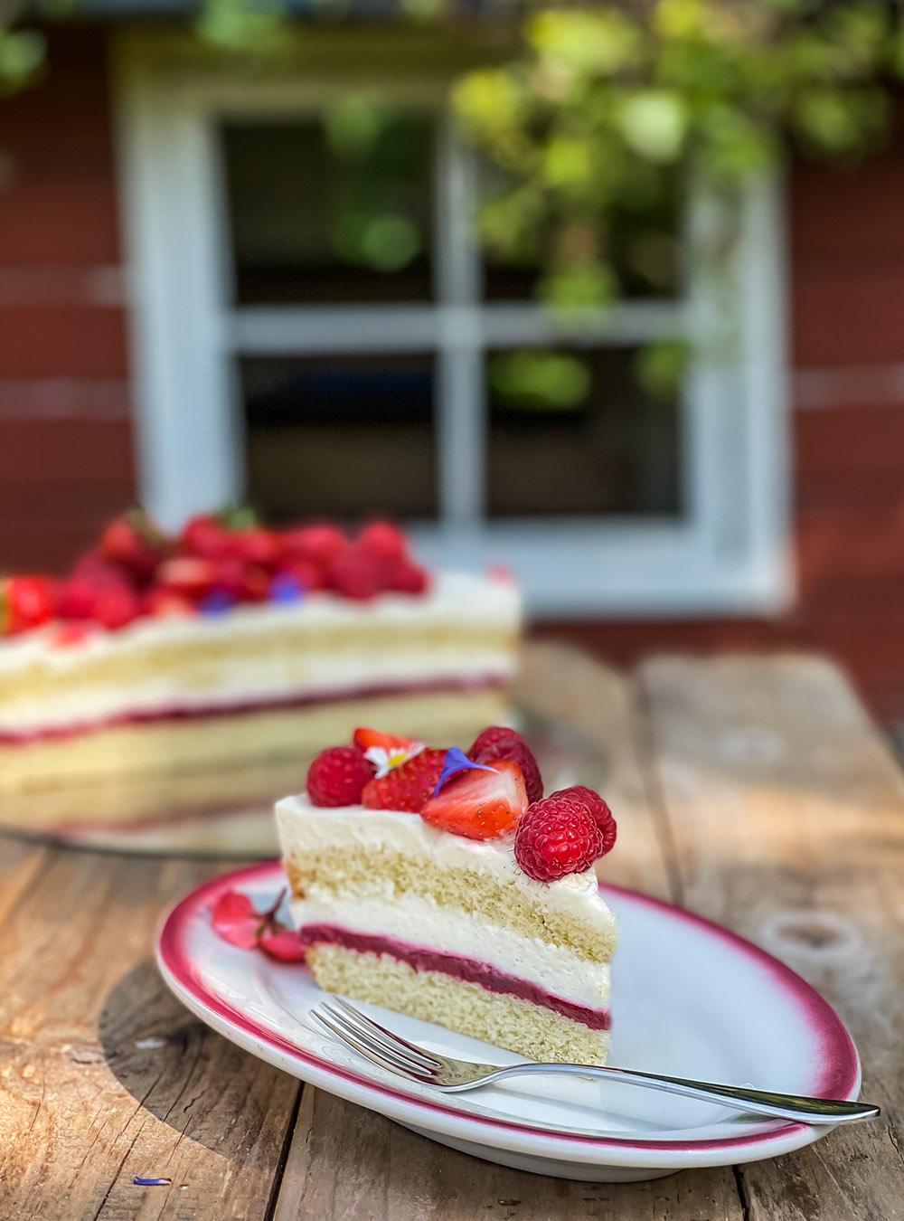Einfach leckere Himbeer-Erdbeer-Torte