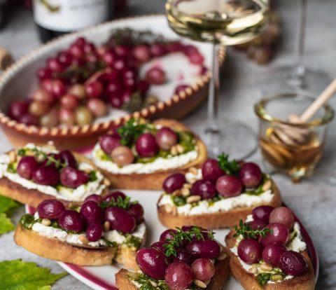Bruschetta mit Ofen Weintrauben,